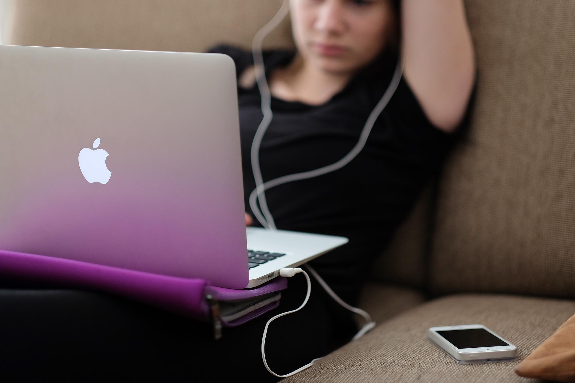 Idealne narzędzie do organizacji spotkań online